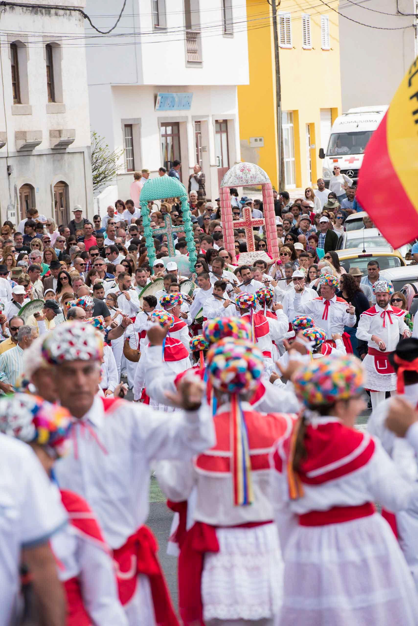 Vistoso Fiesta De Vestir Cruz Embellecimiento - Ideas de Estilos de ...